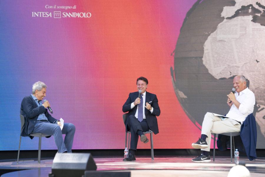 Il Presidente del Consiglio Giuseppe Conte intervistato da Antonio Padellaro e Peter Gomez alla Festa del Fatto Quotidiano